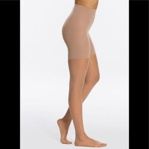SPANX Accessories - NIB SPANX Invisible Luxe Leg Sheers Nude 3 Size B